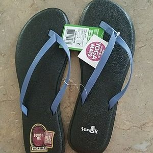 Sanuk yoga bliss flip flops